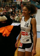 Emmeline Ndongue (Bourges) was named MVP of the game with 8 points and 7 rebounds