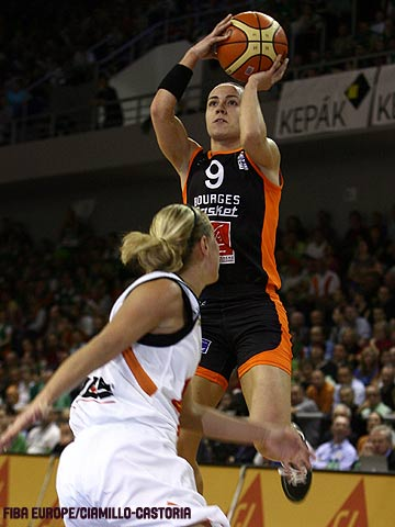 Cecile Dancer (Bourges Basket), Celine Dumerc (Bourges Basket)
