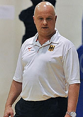 Germany U18 coach Kay Blümel in Oldenburg