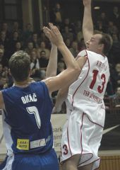 Taller than the rest: Würzburg's Ivo Kresta way above Jiri Okac from Brno