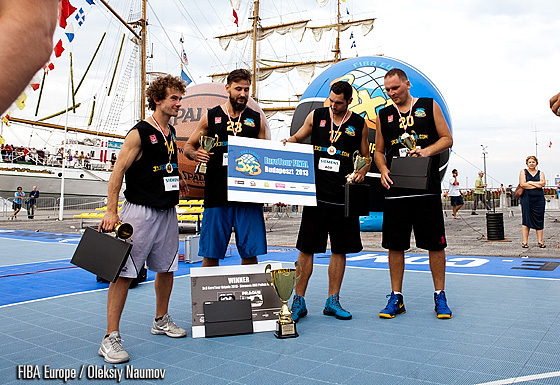 Długa Kromka Słoniowatego Krissa Gdańsk / Łódź are the winners of the 3x3 EuroTour Gdynia event. They beat Da Burnin Banana Wrocław 16:4 in the final and qualified to the EuroTour final in Budapest as well as to the 3x3 World Tour Masters in Prague