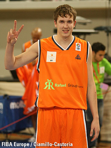 Vasily Zavoruev, winner of the three-point shootout