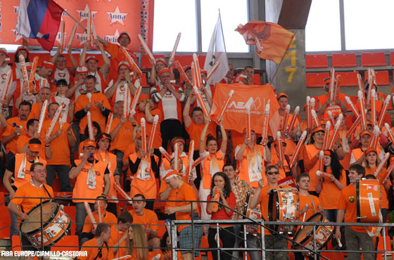 UMMC Ekateriberg Fans (2010 EuroLeague Women Final Four)