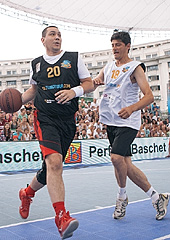 Romanian Prime Minister Victor Ponta (left) participates in the 3x3 EuroTour last year in Bucharest, along with retired Romanian footballer Miodrag Belodedici
