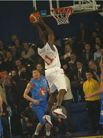 2004 FIBA Europe League All Star Day MVP Michael Wright cleans the boards for the International Team