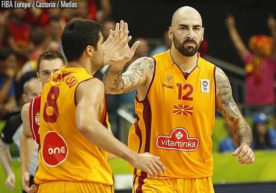 8. Vojdan Stojanovski (F.Y.R. of Macedonia), 12. Pero Antic (F.Y.R. of Macedonia)