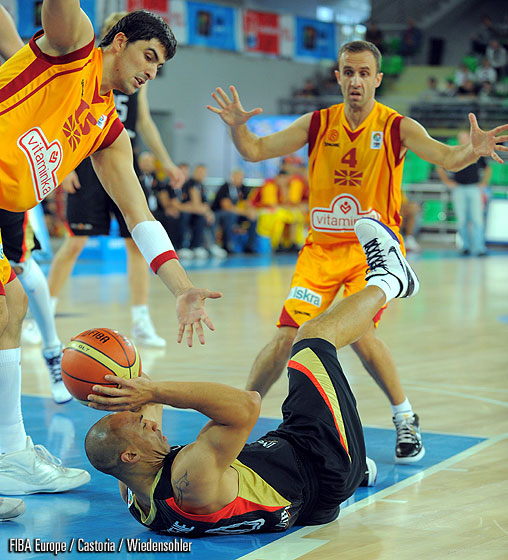 Predrag Samardziski (F.Y.R. of Macedonia), Demond Greene (Germany)