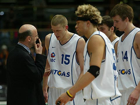 MBC coach Henrik Dettman with his players during a time-out