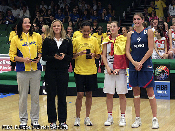 4. Leonor Rodriguez (Spain), 9. Allison Vernerey (France)