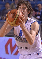 Amedeo Della Valle getting ready for another big shot, this time the game-tying shot against Lithuania