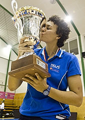 Artemis Spanou with the trophy