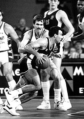 Aris Thessalonikis Nikos Galis at the 1988 Final Four in Ghent, Belgium