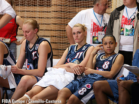 Ann Wauters, Maria Stepanova and Edwige Lawson after the EuroLeague Women Final 2006