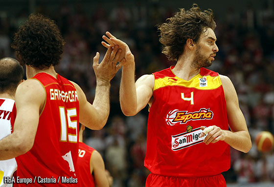 4. Pau Gasol (Spain), 15. Jorge Garbajosa (Spain)