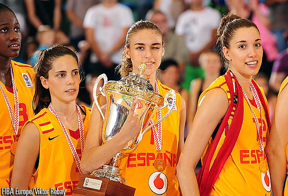 5. Yaiza Rodriguez (Spain), 11. Ariadna Pujol (Spain), 12. Laura	 Quevedo (Spain)