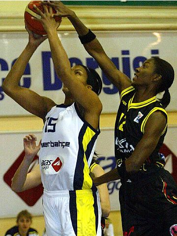 Tammy Sutton-Brown (Fenerbahce SK)