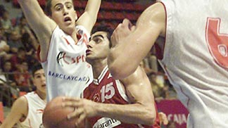 Hakan Demirel scored the first 14 points for Turkey against Spain
