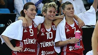 7. Birsel Vardarli (Turkey), 9. Esmeral Tuncluer (Turkey), 10. Isil Alben (Turkey)