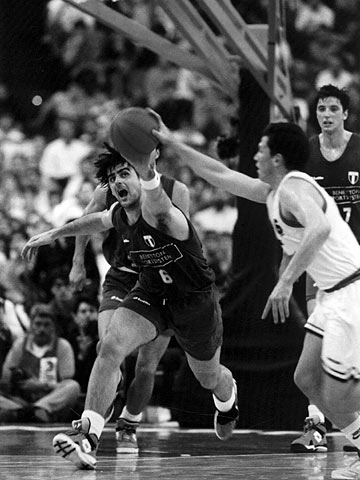 Massimo Iacopini ( BENETTON TREVISO) at the 1993 EuroLeague Final Four in Athens