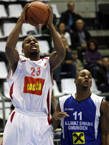 23. Andre Leroy Owens (BC Red Star)