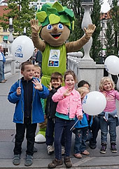 Lipko out and about reminding fans that tip-off to EuroBasket 2013 is now less than 100 days away