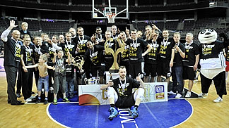 VEF Riga have been crowned Latvian champions for a third consecutive season