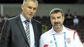 FIBA Europe Secretary General Kamil Novak and Serbia coach Aleksandar Bucan