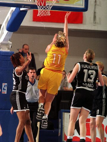 Alena Kovacova (SCP RUZOMBEROK) at the 1999 EuroLeague Women Final Four