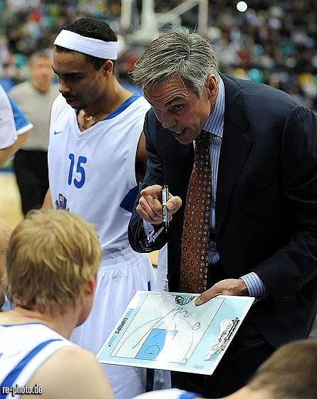 Skyliners Head Coach Gordon Herbert