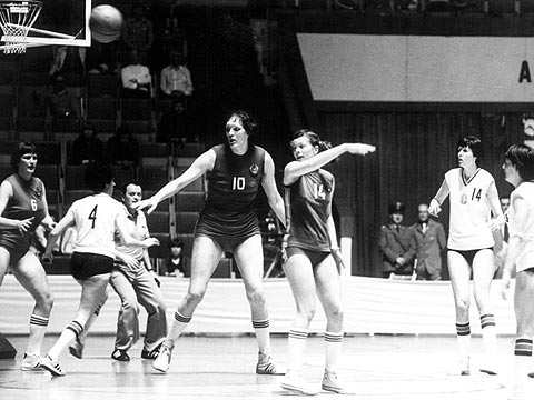 The Soviet Union's Julia Semenova (#10) at the 1978 European Championship for Women in Poland