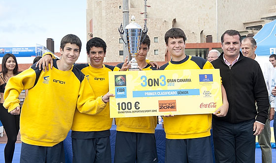 Gran Canaria 3on3 Tour Master Final - Team Granca Guanche is presented with prize