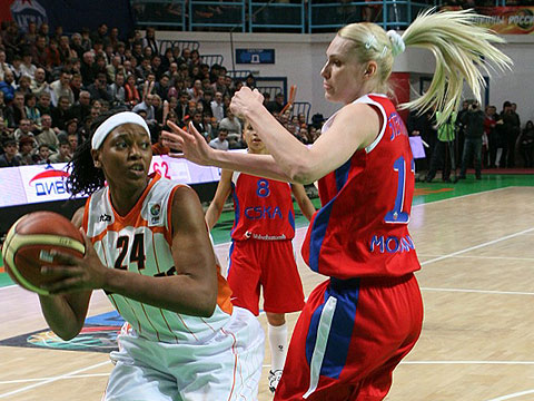 Asjha Jones (UMMC Ekaterinburg)