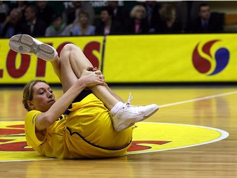 Margo Dydek (LOTOS GDYNIA) limbers up before the game against Brno