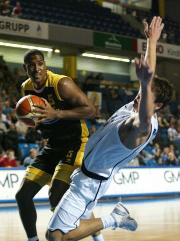 Maroussi's Andre Hutson takes the ball inside against Kalev
