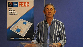 Svetislav Pesic addressing the 2011 FECC graduates in Bilbao