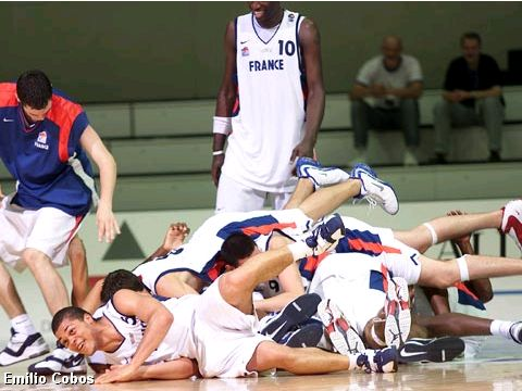 France beats Italy 74-68 and wins the bronze medal