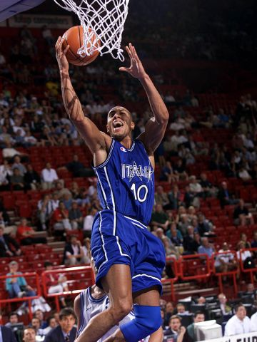 Carlton Myers (ITA) at EuroBasket 1999