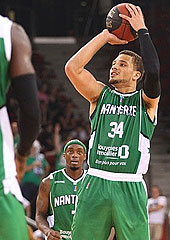 "Kyle Weems, MVP of the 2014 ""Match des Champions"" (photo: JSF Nanterre)"
