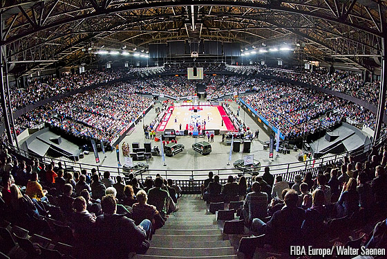 Belgian record attendance of 15,500 at the Sportpaleis arena in Antwerp