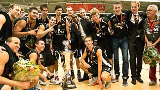 Den Bosch win the 2013 Dutch Supercup