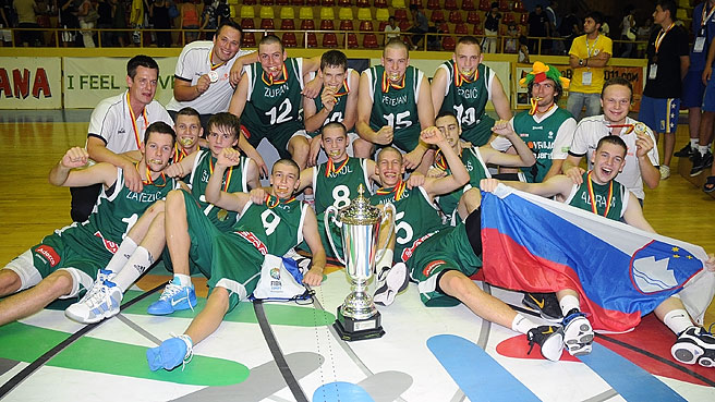 Slovenia Capture Division B Crown