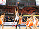 Tip-off in the 3rd place game between UMMC Ekaterinburg and Tango Bourges
