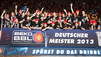 Bamberg clinch their fourth German championship in a row with a 3-0 sweep over Oldenburg in the BEKO BBL finals