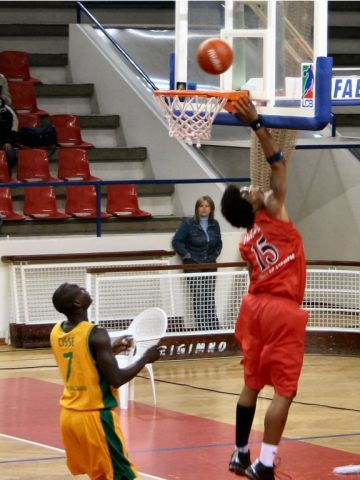 two points for Chris Porter (Oliveirense)
