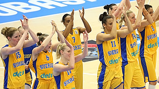 Sweden celebrate after making the quarter-finals at EuroBasket Women 2013