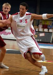 Turkey's Hidayet Turkoglu had 9 points and 6 boards in his team's friendly victory over Latvia