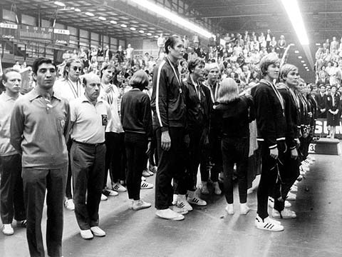 Gold medalists Soviet Union (middle row) at the 1976 European Championship for Women in France