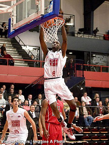 Anthony Lamont Richardson (EiffelTowers Den Bosch)