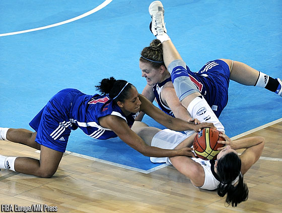 14. Laura Gil (Spain), 4. Katrin Chiemeka (Great Britain)