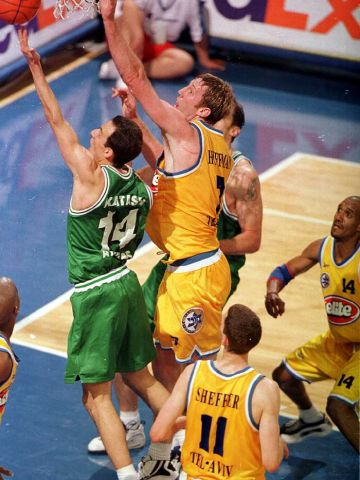 Oded Kattash (PANATHINAIKOS BSA ATHENS) at the 2000 EuroLeague Final Four in Thessaloniki